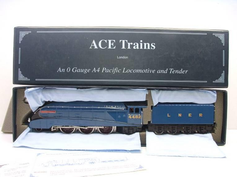"Ace Trains O Gauge E4 LNER A4 Pacific ""Golden Eagle"" R/N 4482 Electric 3 Rail Boxed image 18"