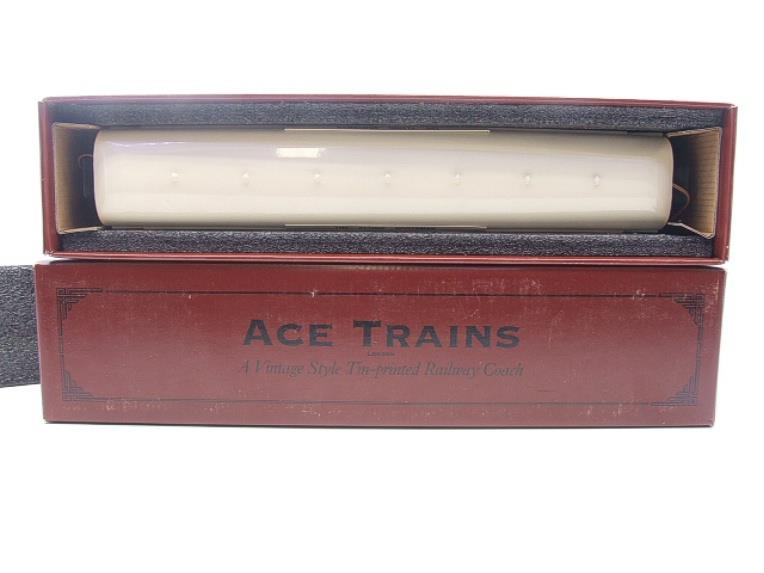 "Ace Trains O Gauge C4 LNER ""The Flying Scotsman"" All 1st Corridor Coach R/N 6461 Int Lit image 14"