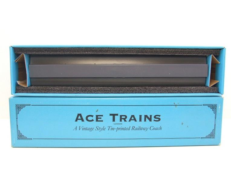 Ace Trains O Gauge LMS / MR Brian Wright Overlay Series TPO Mail Coach RN 30285 image 13