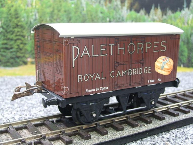 "Horton Series O Gauge Private Owner ""Palethorpes Royal Cambridge"" Van Boxed image 13"