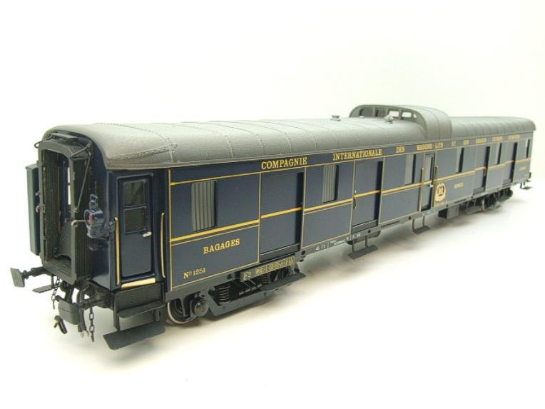 "Elettren O Gauge Cat No: 1303 CIWL ""Baggage Coach"" R/N 1251 Interior Lit image 13"