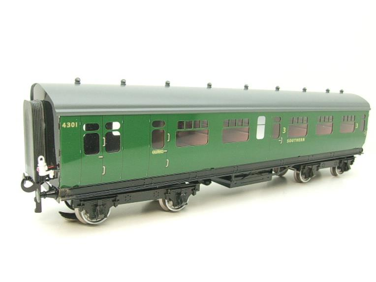 Darstaed O Gauge SR Green Bulleid Corridor Brake End Coach R/N 4301 Lit Interior image 19