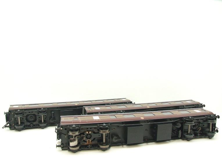 Ace Trains O Gauge C28A LMS Maroon Coronation Scot Coaches x3 Set A Bxd 2/3 Rail Int Lit image 15