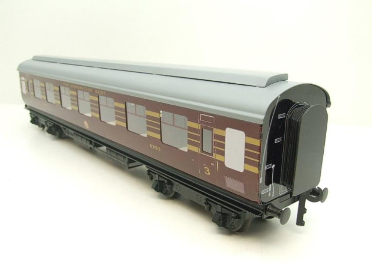 Ace Trains O Gauge C28A LMS Maroon Coronation Scot Coaches x3 Set A Bxd 2/3 Rail Int Lit image 17