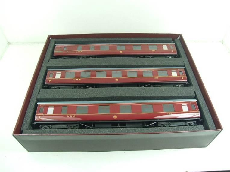 Ace Trains O Gauge C18A LMS Maroon Stainier Coaches x3 B/New Bxd 2/3 Rail Set A image 18