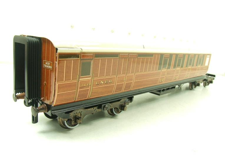 Ace Trains Wright Series O Gauge LNER All 3rd Pair of Articulated Coaches Set image 11