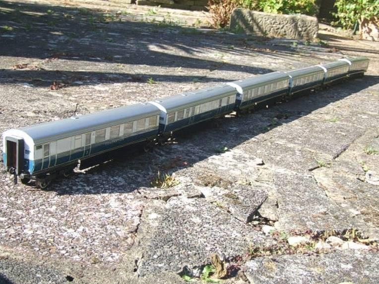 "Ace Trains O Gauge C7 LNER ""Record Breaking Set"" Articulated x6 Coaches Coronation Set 3 Rail image 14"