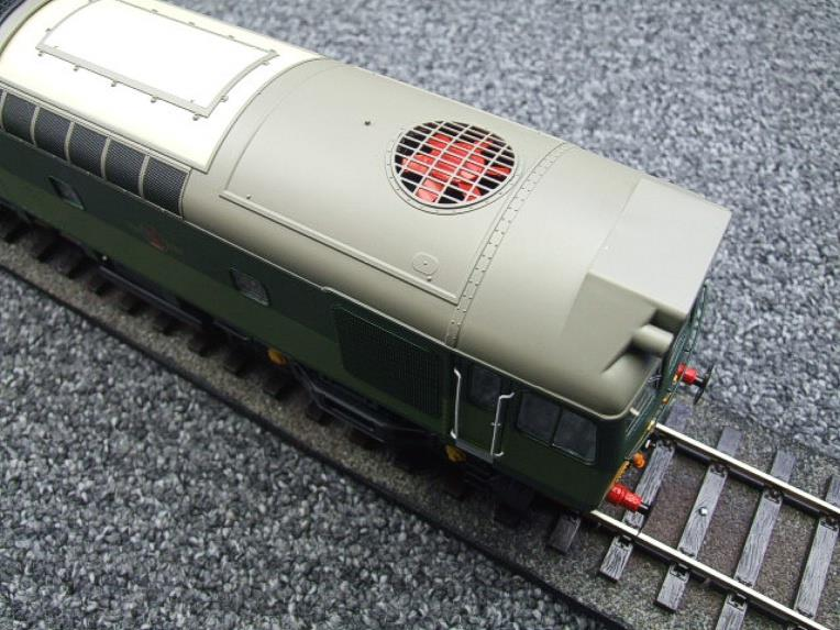 Heljan O Gauge Item 2555 BR Two Tone Green Class 25 Type 2 WSYP Diesel Loco Electric Bxd image 15