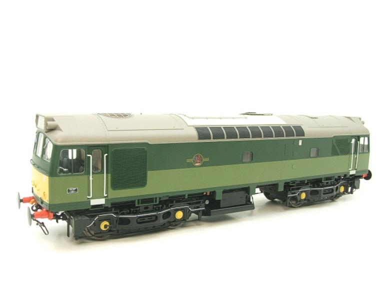 Heljan O Gauge Item 2555 BR Two Tone Green Class 25 Type 2 WSYP Diesel Loco Electric Bxd image 16