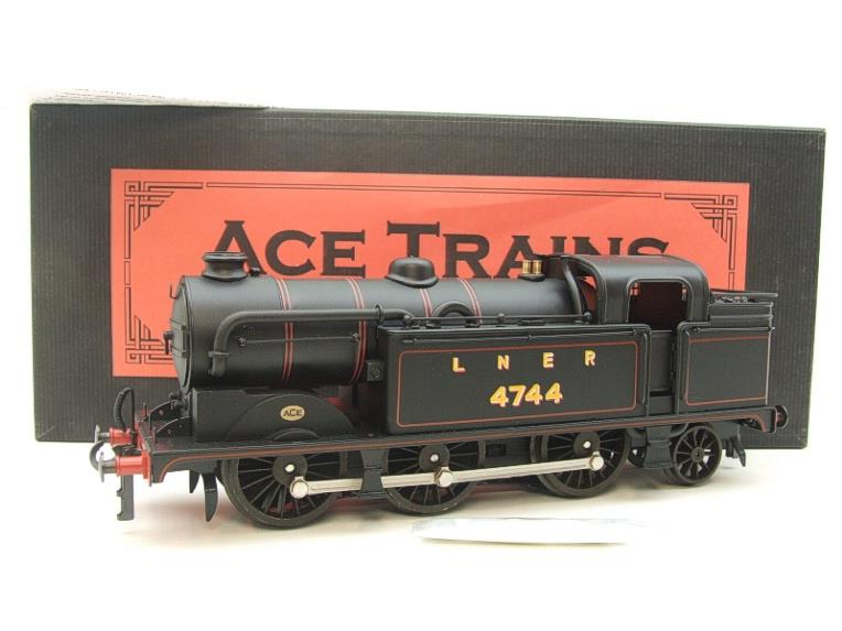 Ace Trains O Gauge E11A LNER Satin Black N2 Class 0-6-2 Tank Loco R/N 4744 Electric 2/3 Rail Boxed image 20