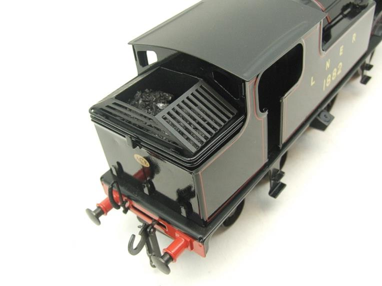 Ace Trains O Gauge E25/S-B1 LNER Black G5 Tank Loco R/N 1882 & Coaches Set Electric 2/3 Rail NEW Bxd image 12