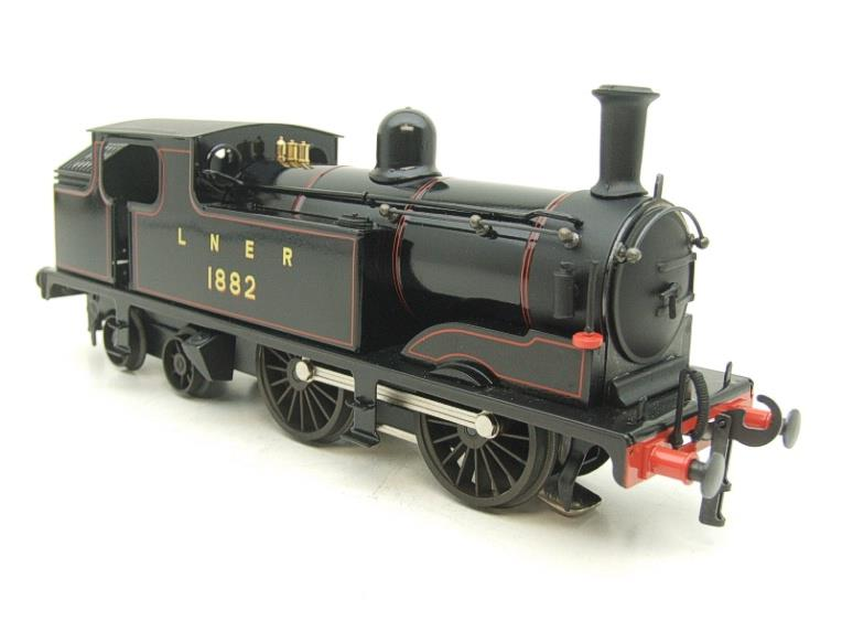 Ace Trains O Gauge E25/S-B1 LNER Black G5 Tank Loco R/N 1882 & Coaches Set Electric 2/3 Rail NEW Bxd image 17