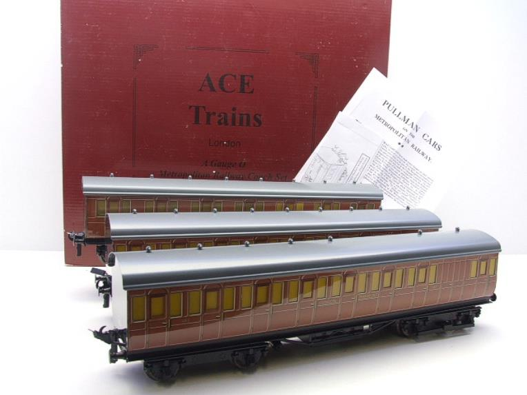 "Ace Trains O Gauge C27/S LT ""London Transport"" Coaches  x3 Coach Set Boxed 3 Rail image 20"