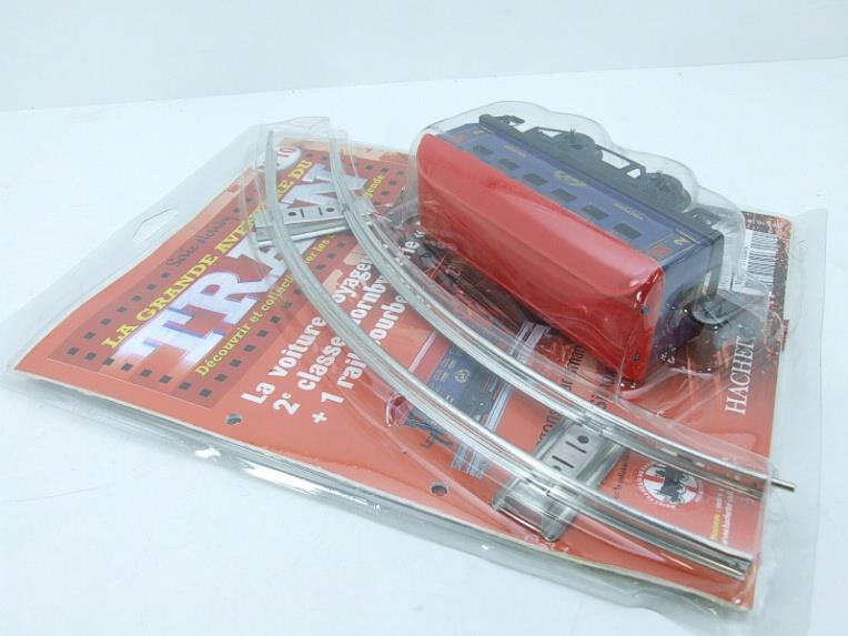 "Hornby Hachette Series French O Gauge No.10 Blue Red Roof Voiture ""Saloon"" 2nd Class Coach NEW Pack image 13"