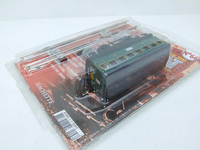 "Hornby Hachette Series French O Gauge No.66 ""SNCF"" Green 3rd Class Coach NEW Pack image 12"