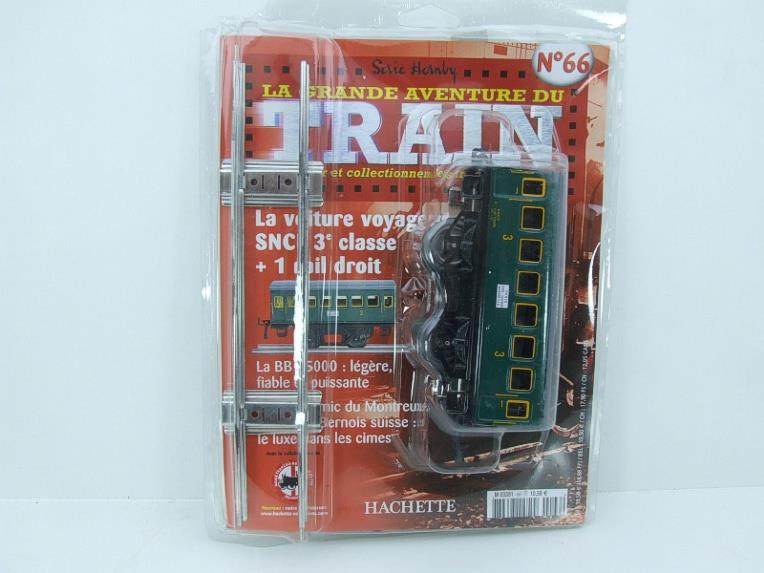 "Hornby Hachette Series French O Gauge No.66 ""SNCF"" Green 3rd Class Coach NEW Pack image 15"