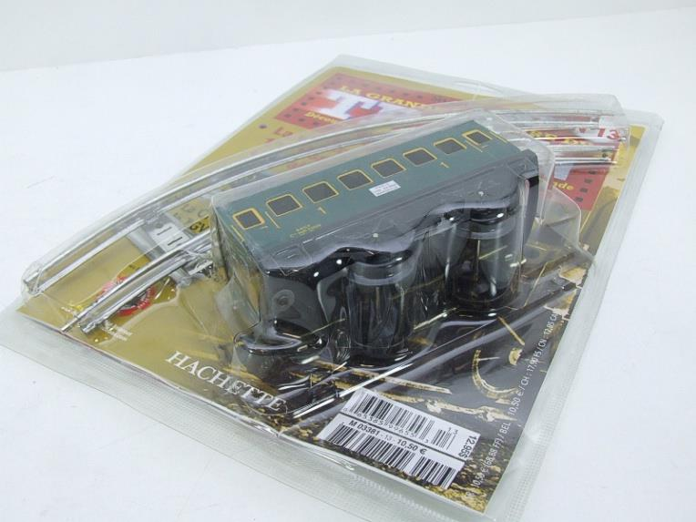 "Hornby Hachette Series French O Gauge No.13 ""SNCF"" Green 1st Class Coach NEW Pack image 12"