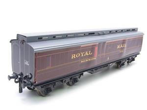 Ace Trains O Gauge LMS Ex MR Brian Wright Overlay Series TPO Mail Coach RN 30285 image 2