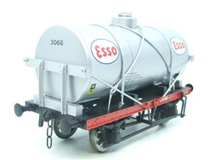 "Gauge 1 Model Co Accucraft  R32-3D-14-Ton Oil ""Esso Tanker Wagon"" image 2"