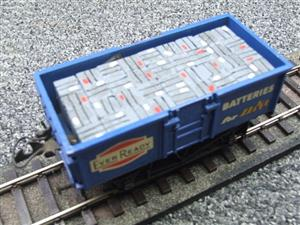 "Lima-Hornby O Gauge PO ""Ever Ready Batteries"" Open Wagon image 7"