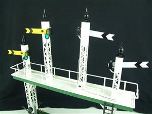 "Ace Trains O Gauge ACS/3 Signal Gantry ""Distant"" Yellow Fish Tail Signal Arms Edition Electric image 3"
