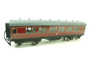 Darstaed O Gauge LMS All 3rd Side Corridor Coach R/N 3033 Lit Interior image 2