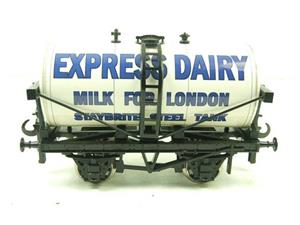 "Ace Trains O Gauge GM1 ""Express Dairy"" Milk Tanker Wagon image 1"