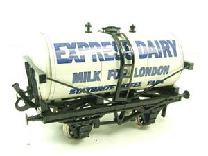 "Ace Trains O Gauge GM1 ""Express Dairy"" Milk Tanker Wagon image 2"