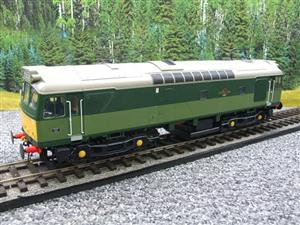 Heljan O Gauge Item 2555 BR Two Tone Green Class 25 Type 2 WSYP Diesel Loco Electric Bxd image 4