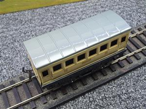 "Hornby Hachette Series French O Gauge ""SNCF"" White 2nd Class Coach NEW Boxed image 7"