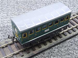 "Hornby Hachette Series French O Gauge ""SNCF"" Green 1st Class Coach NEW Boxed image 7"