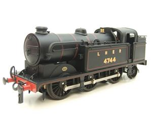 Ace Trains O Gauge E11A LNER Satin Black N2 Class 0-6-2 Tank Loco R/N 4744 Electric 2/3 Rail Boxed image 6
