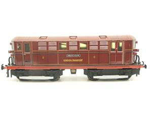 "Ace Trains O Gauge E17 London Transport Red Vickers Bo-Bo ""Sherlock Holmes"" Loco No 8 image 5"