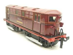 "Ace Trains O Gauge E17 London Transport Red Vickers Bo-Bo ""Sherlock Holmes"" Loco No 8 image 6"